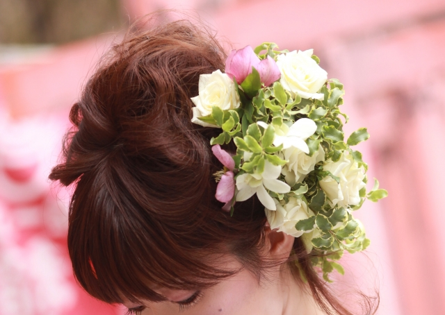 ミディアムの花嫁に人気のフォトウェディング髪型スタイル&髪飾り13
