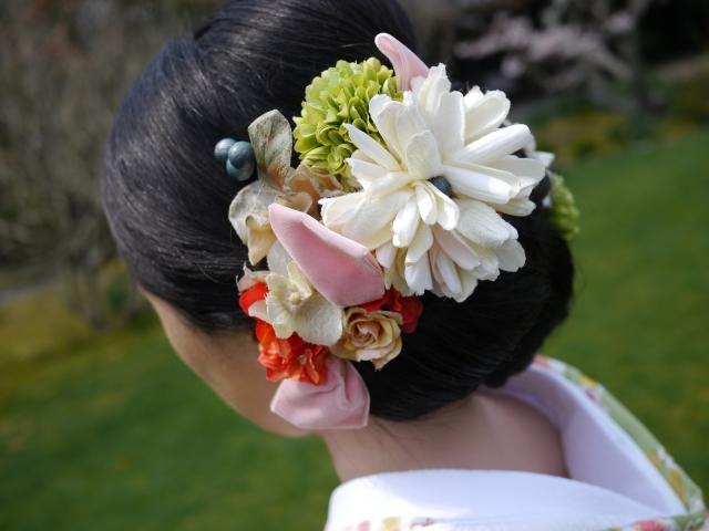 ミディアムの花嫁に人気のフォトウェディング髪型スタイル&髪飾り4
