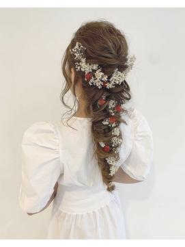 ロングの花嫁はドレスか和装で髪型選び!人気スタイルと髪飾りを紹介4