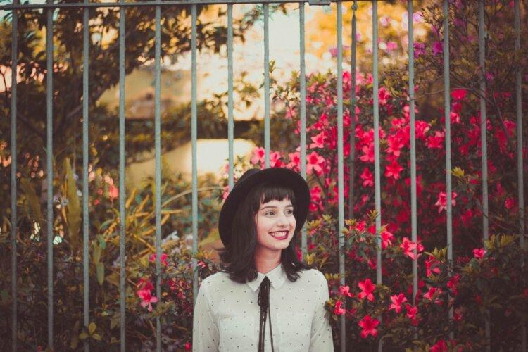 ロングの花嫁はドレスか和装で髪型選び!人気スタイルと髪飾りを紹介8
