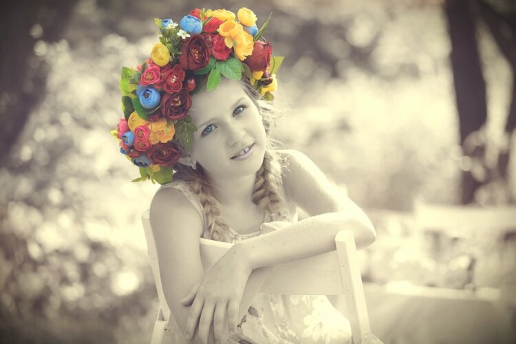 ロングの花嫁はドレスか和装で髪型選び!人気スタイルと髪飾りを紹介9