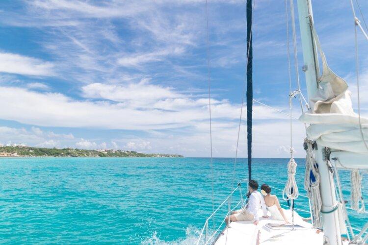 フォトウェディングは海がおしゃれ!国内・海外で人気の海の料金相場やベストシーズン17