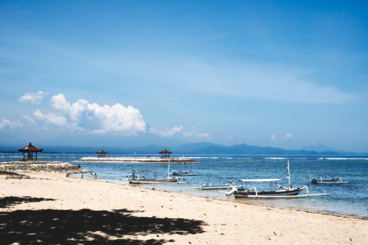 フォトウェディングは海がおしゃれ!国内・海外で人気の海の料金相場やベストシーズン12