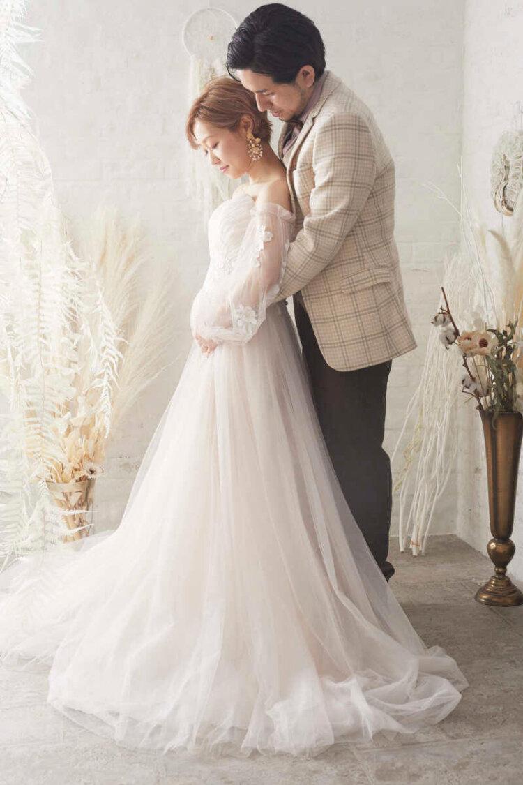 授かり婚カップルはウェディング&マタニティフォト|写真館の選び方やポーズや費用を紹介11