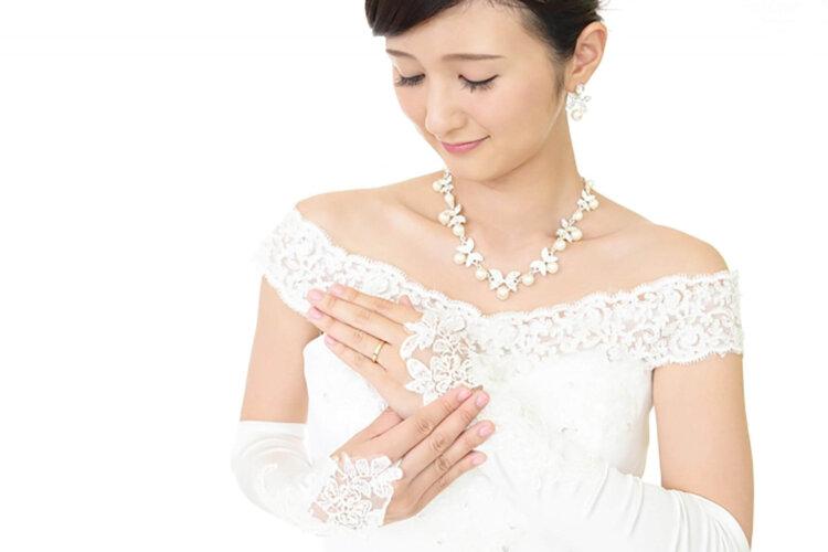 フォトウェディングの花嫁ドレス|形・色・ブランド・体型・年代別の選び方35