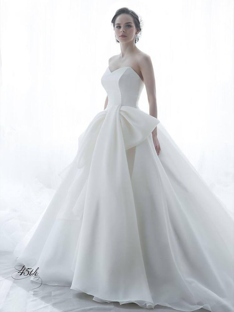 フォトウェディングの花嫁ドレス|形・色・ブランド・体型・年代別の選び方28