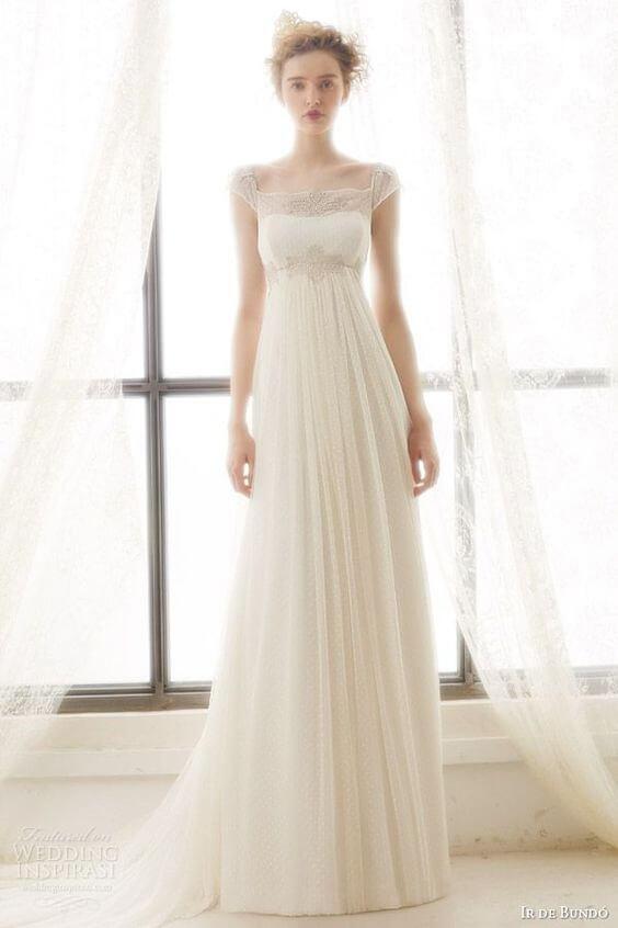 フォトウェディングの花嫁ドレス|形・色・ブランド・体型・年代別の選び方8