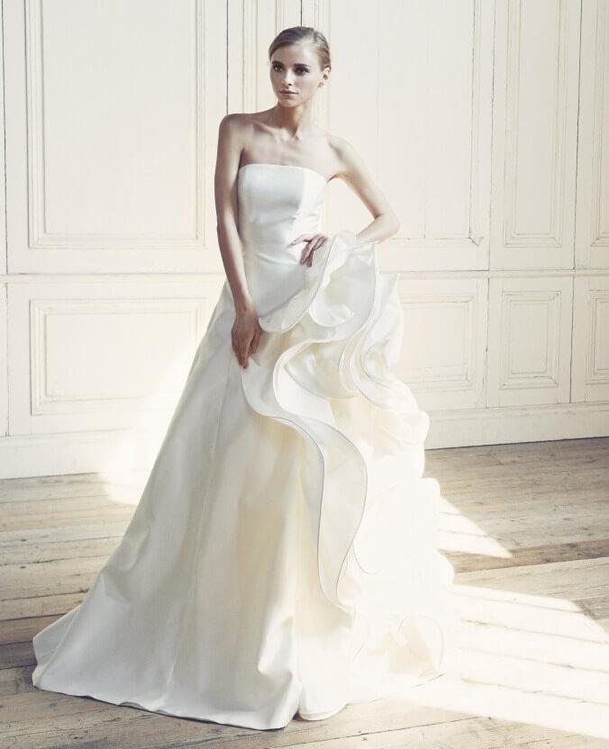 フォトウェディングの花嫁ドレス|形・色・ブランド・体型・年代別の選び方18
