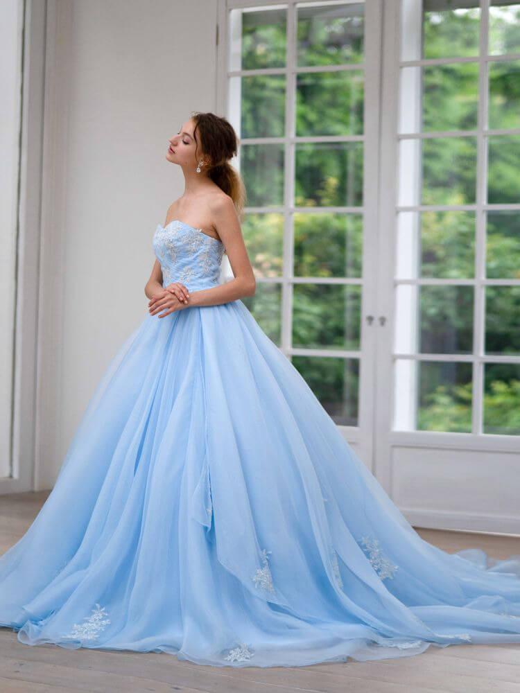 フォトウェディングの花嫁ドレス|形・色・ブランド・体型・年代別の選び方14