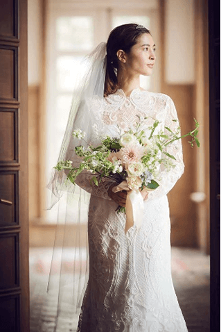 フォトウェディングの花嫁ドレス|形・色・ブランド・体型・年代別の選び方34
