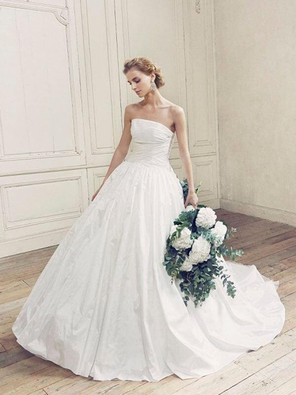 フォトウェディングの花嫁ドレス|形・色・ブランド・体型・年代別の選び方9