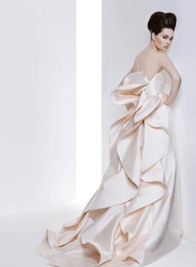フォトウェディングの花嫁ドレス|形・色・ブランド・体型・年代別の選び方21