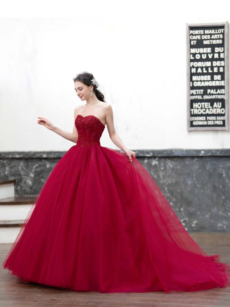 フォトウェディングの花嫁ドレス|形・色・ブランド・体型・年代別の選び方11