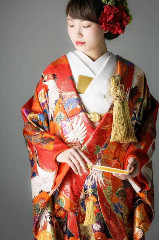 フォトウェディングの和装は白無垢・色打掛・引き振袖のどれ?花嫁に人気の柄や定番の色を紹介7