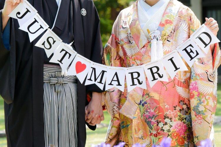 フォトウェディングの和装は白無垢・色打掛・引き振袖のどれ?花嫁に人気の柄や定番の色を紹介1