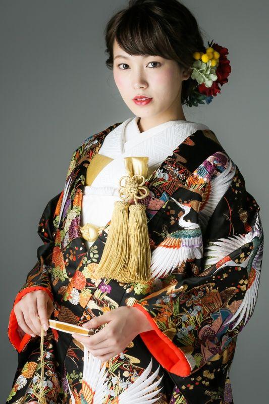 フォトウェディングの和装は白無垢・色打掛・引き振袖のどれ?花嫁に人気の柄や定番の色を紹介12