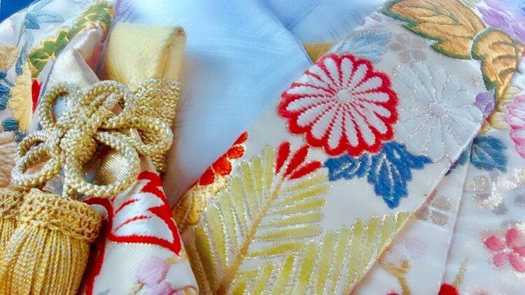 フォトウェディングの和装は白無垢・色打掛・引き振袖のどれ?花嫁に人気の柄や定番の色を紹介30