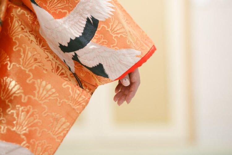 フォトウェディングの和装は白無垢・色打掛・引き振袖のどれ?花嫁に人気の柄や定番の色を紹介6