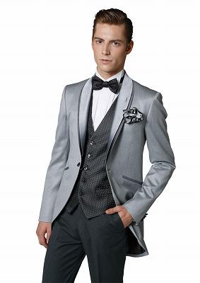 フォトウェディングの新郎の衣装は種類・色・柄で選ぶ!ネクタイ・シャツ・小物も紹介6