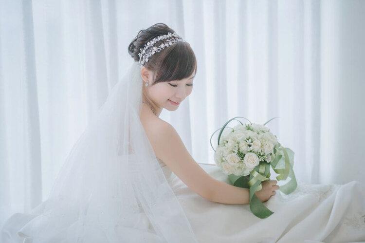 【花嫁】フォトウェディングで人気の髪型まとめ | 髪の長さ・衣装から選ぶ