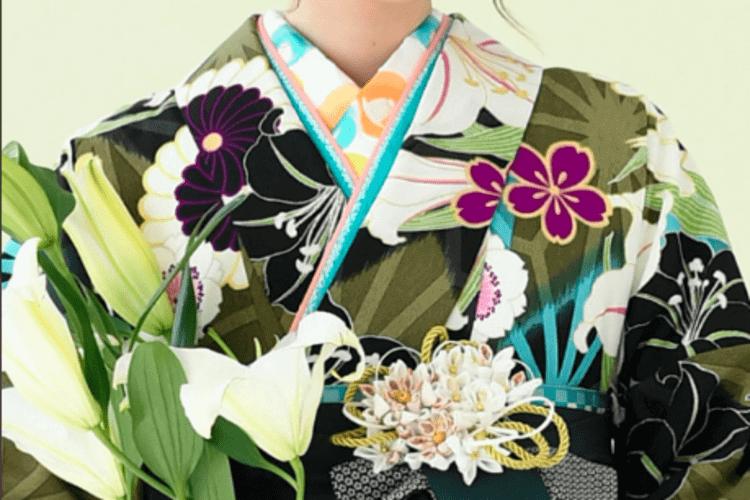 緑の卒袴業は「赤」「オレンジ」をベースにメイク!写真メイクの秘訣を伝授7