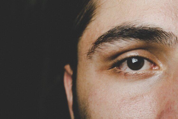 男のマイナンバー写真は眉毛が好印象の鍵!デザインやセット方法を紹介4