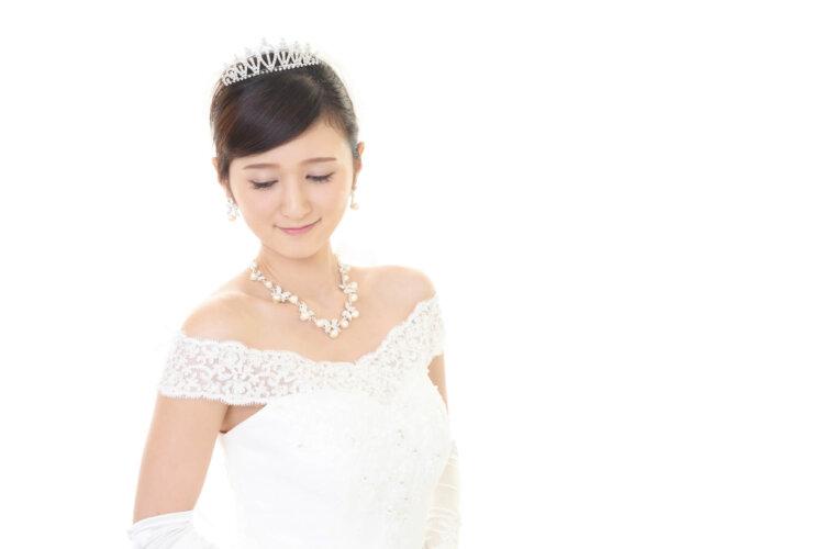 【花嫁】フォトウェディングで人気の髪型まとめ | 髪の長さ・衣装から選ぶ1