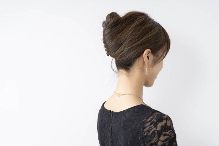 【花嫁】フォトウェディングで人気の髪型まとめ | 髪の長さ・衣装から選ぶ16