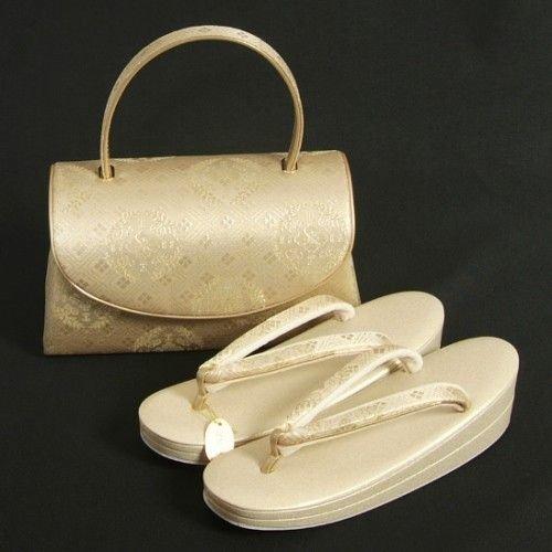 成人式写真のバッグはレンタルでOK!料金相場や選び方を紹介10