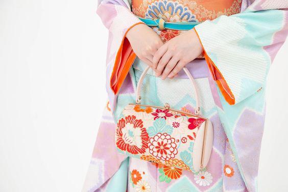 成人式写真のバッグはレンタルでOK!料金相場や選び方を紹介5