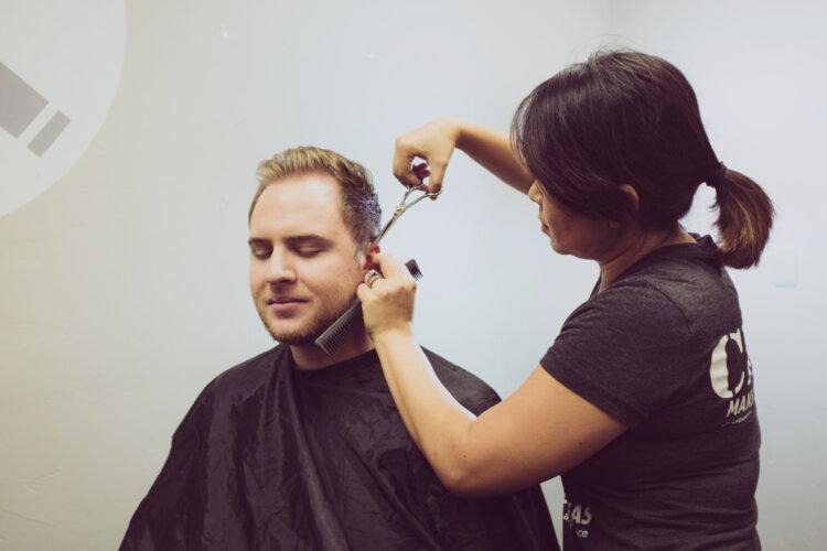 ビジネスプロフィール写真に適した髪型や髪色を男女別にプロがご紹介4