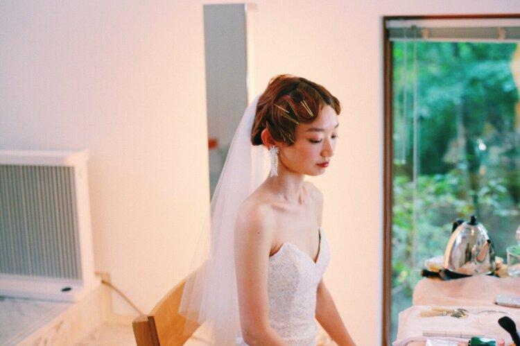 花嫁に人気のクラシカルヘア!フォトウェディング映えするクラシカルヘアを紹介13