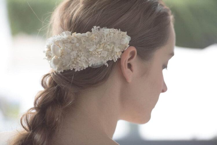 花嫁に人気のクラシカルヘア!フォトウェディング映えするクラシカルヘアを紹介20