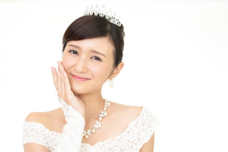 花嫁に人気のクラシカルヘア!フォトウェディング映えするクラシカルヘアを紹介
