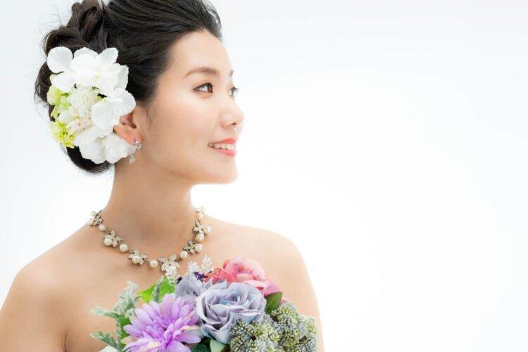 花嫁に人気のクラシカルヘア!フォトウェディング映えするクラシカルヘアを紹介2