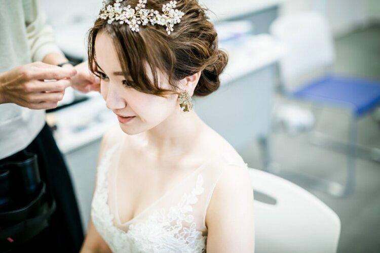 花嫁に人気のクラシカルヘア!フォトウェディング映えするクラシカルヘアを紹介15