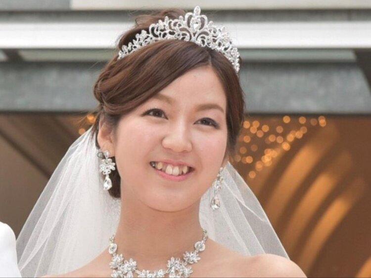 花嫁に人気のクラシカルヘア!フォトウェディング映えするクラシカルヘアを紹介17
