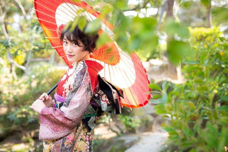 【長さ別】和装の花嫁に人気のフォトウェディングの髪型カタログ8