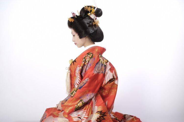 【長さ別】和装の花嫁に人気のフォトウェディングの髪型カタログ3