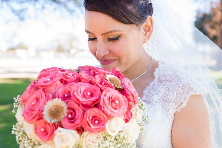 花嫁リップの人気色まとめ!フォトウェディングのリップの塗り方も1