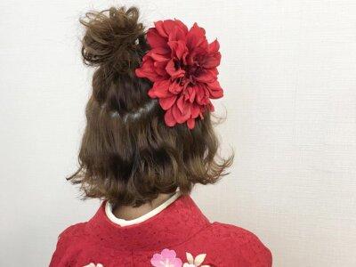 成人式写真のハーフアップアレンジとは?振袖に似合う髪飾りもご紹介5