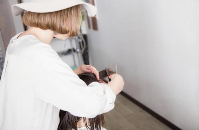 振袖の成人式写真を可愛くするツインテール!アレンジ方法と髪飾りをご紹介10