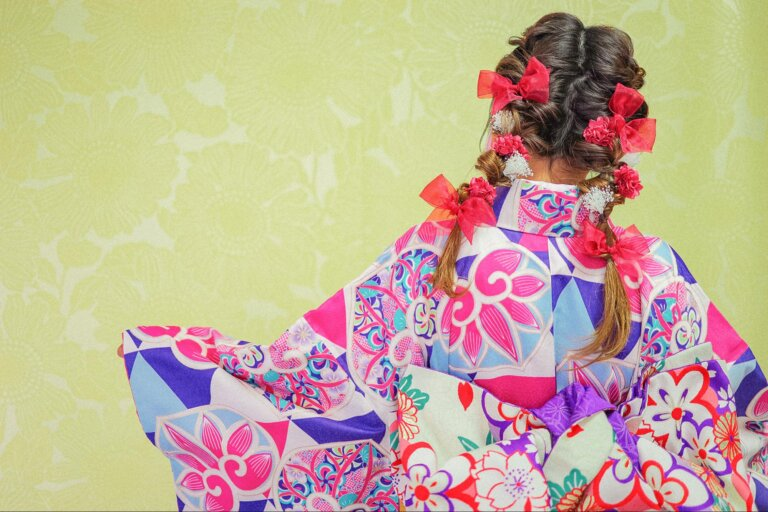 振袖の成人式写真を可愛くするツインテール!アレンジ方法と髪飾りをご紹介