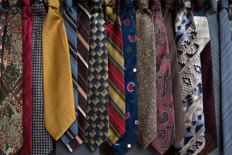 【男子向け】成人式写真の服装選びまとめ|袴とスーツの選び方ポイント11