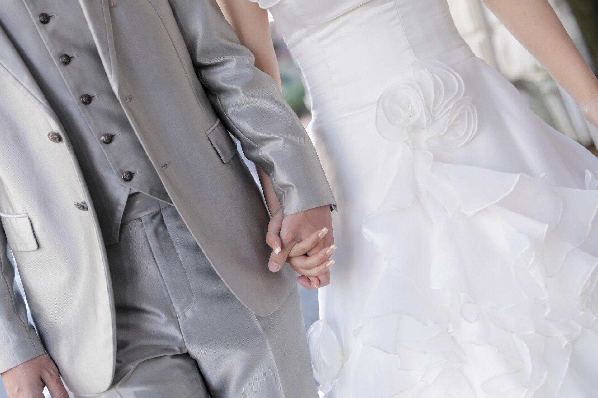 フォトウェディングの家族の衣装は?関係性や和装洋装別に具体例と注意点を紹介