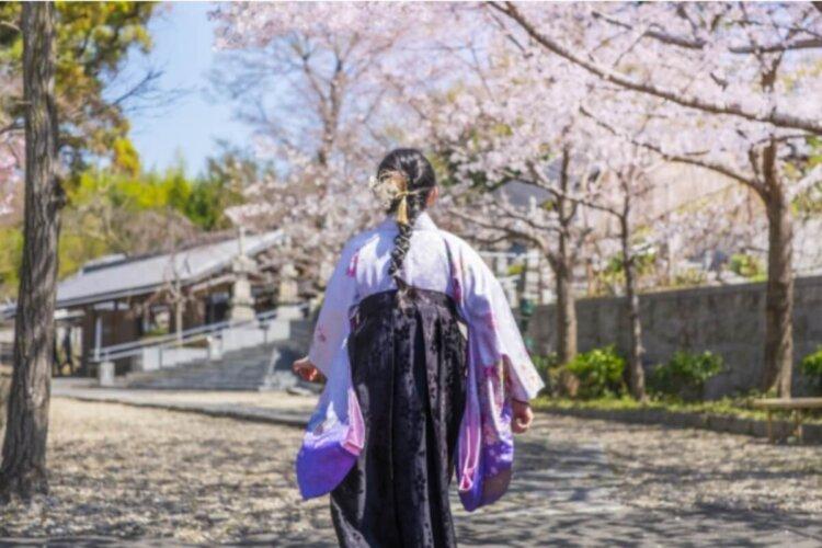 卒業袴写真アイメイクの秘訣!アイシャドウは袴の色から決めるとおしゃれ1
