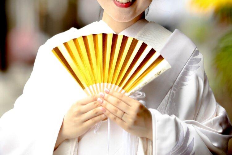 白無垢でフォトウェディングなら髪型は?伝統的なスタイルとセルフセット可な髪型を紹介14