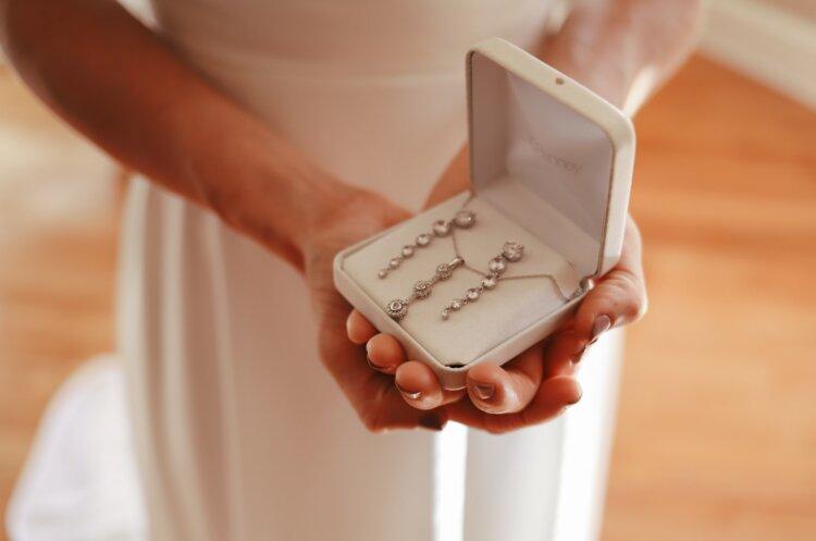 フォトウェディングの花嫁のアクセサリーを選ぶ4つのポイント&デザインまとめ1