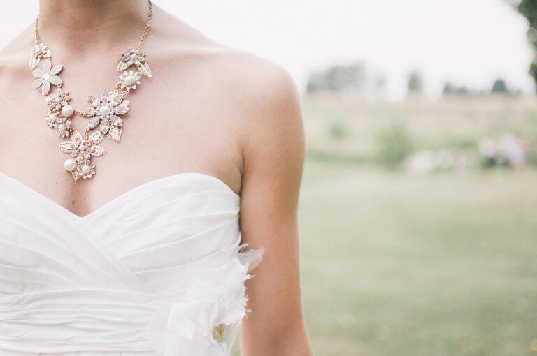 フォトウェディングの花嫁のアクセサリーを選ぶ4つのポイント&デザインまとめ