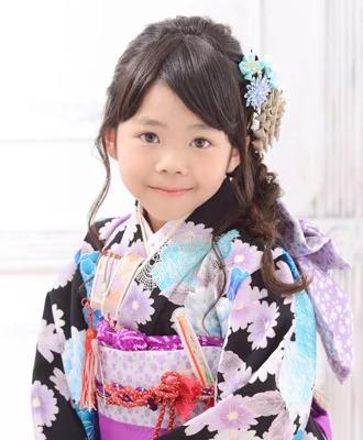 七五三写真の髪型は三つ編みで可愛く!お家で簡単セット方法を紹介5